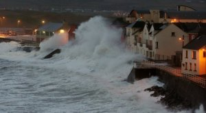 storms-hit-ireland-7-630x347